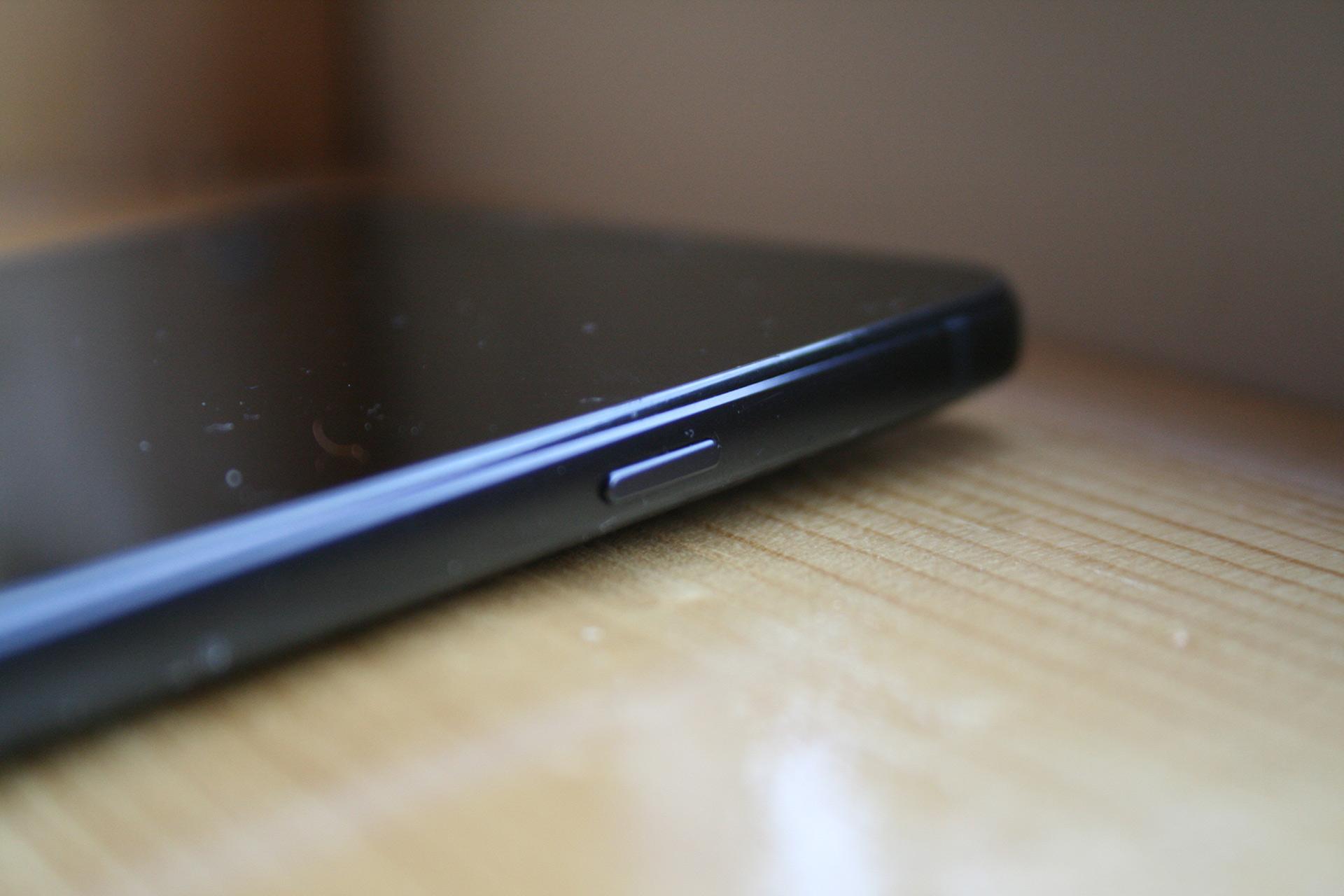 Обзор LG Q6 Alpha
