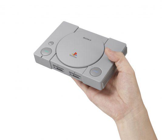 Sony представила миниатюрную PlayStation Classic - в руке