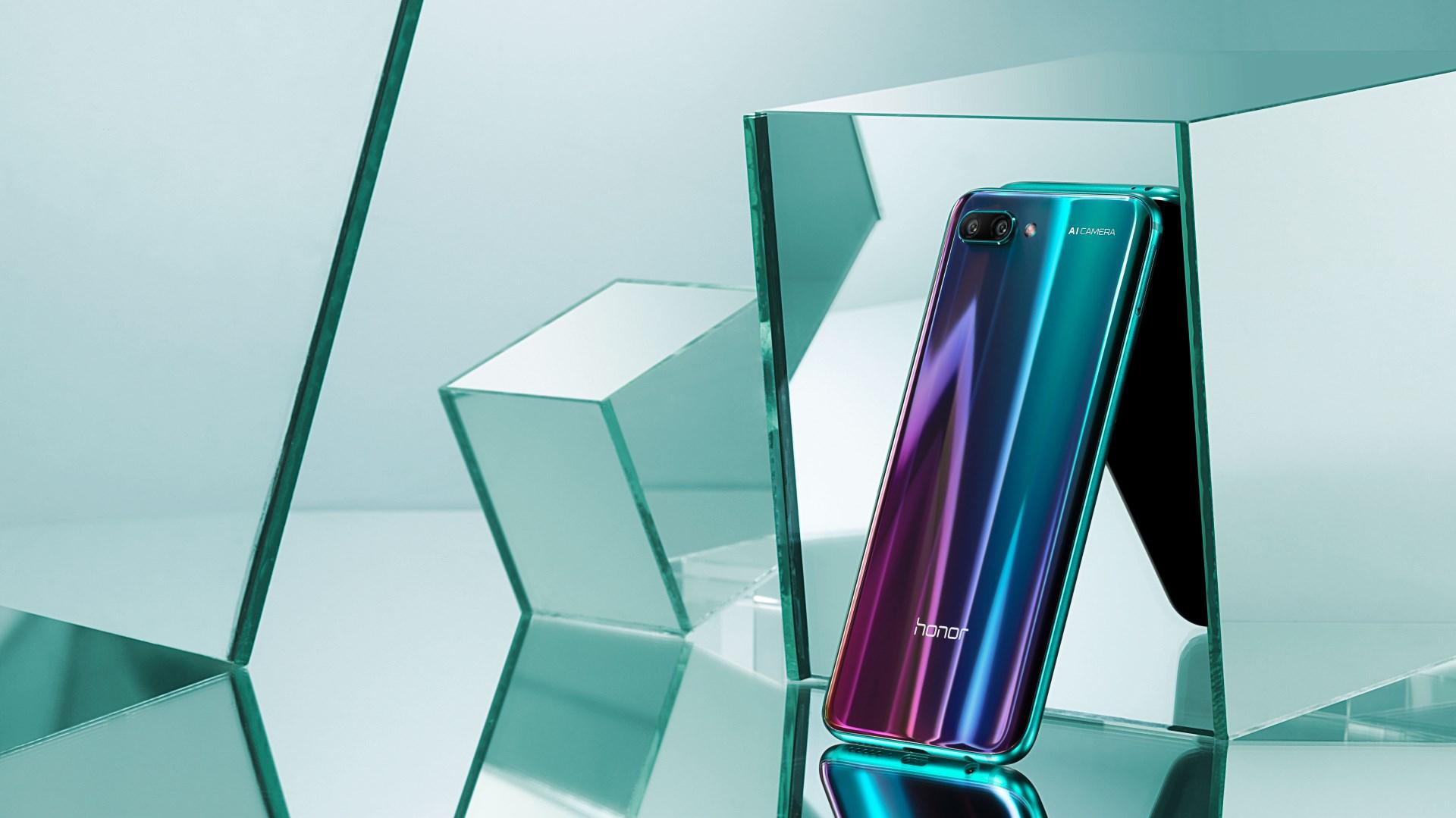 Honor 10 Premium поступит в продажу 11 октября - green