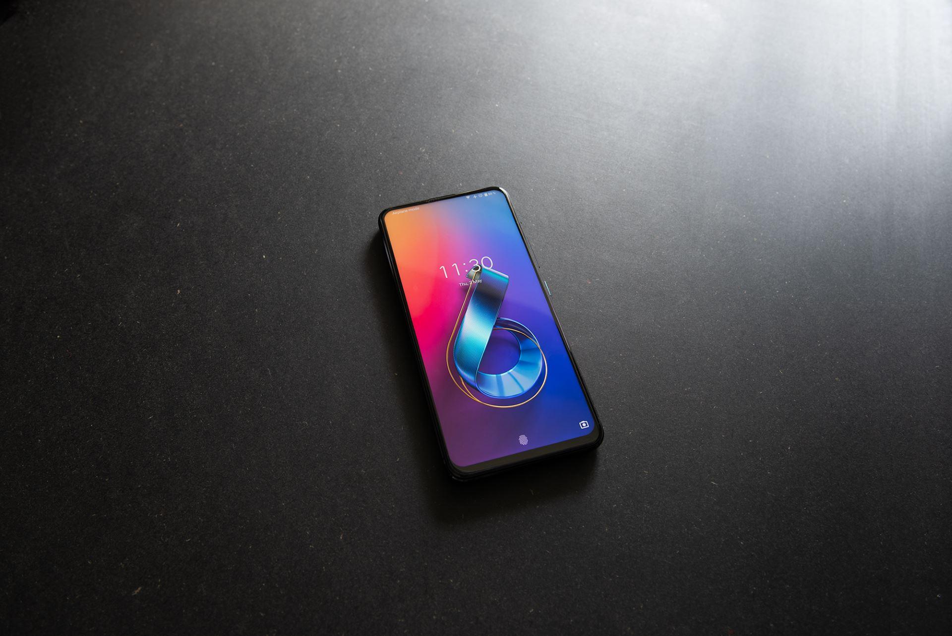 ASUS представила смартфон ZenFone 6