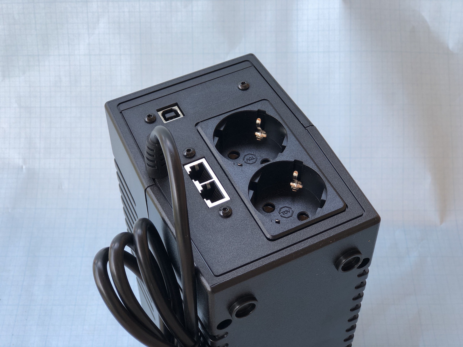 Обзор ИБП Ippon Back Power Pro II Euro 850