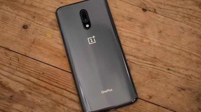 OnePlus 7 / Подборка смартфонов на замену флагманам / cnet.com