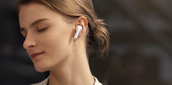 Soundcore Liberty Air - недорогая альтернатива AirPods
