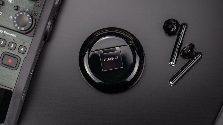 Huawei FreeBuds 3 - недорогая альтернатива AirPods